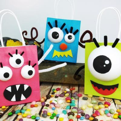 Monstre Halloween : vous cherchez une activité à proposer à vos enfants sur le thème des monstres ? Voici sans plus attendre une sélection d'idées et de tutos pour Halloween.