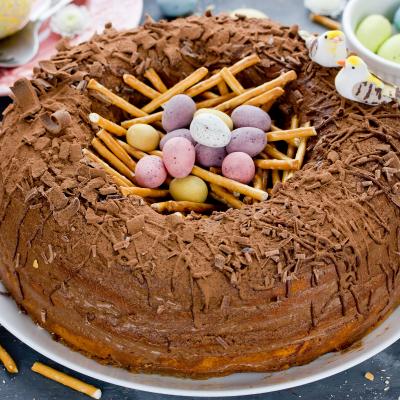 Le nid de Pâques est un dessert au chocolat et un gâteau que l'on consomme traditionnellement à Pâques.