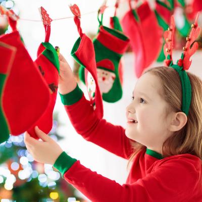 Noël approche, et vous n';avez pas encore trouvé de calendrier de l'Avent pour vos enfants ? Pas de panique, nous allons vous aider à trouver...