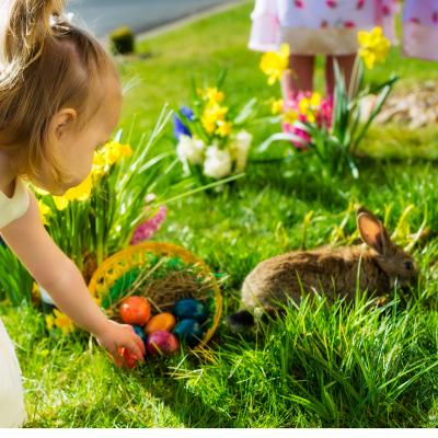 Pâques est aussi une fête païenne célébrant le printemps et le renouveau. La légende la plus connue est bien entendu la légende de la Grèce ancienne selon laquelle le prin