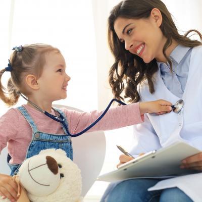 Pediatre - mot du glossaire Tête à modeler. Définition et activités associées au mot Pediatre.