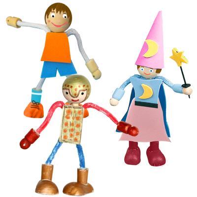 Petits personnages en bois