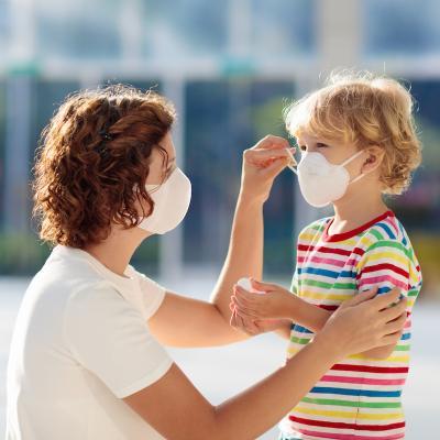 le port du masque permet d'éviter les risques de contagion de la grippe A. Nous porterons peut-être tous un masque de protection comme au Japon ! Le Japon est un exemple à suivre en cas d'épid&eacut