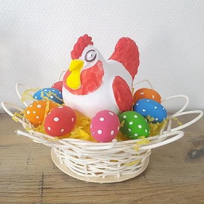 Poule de Pâques à plumes