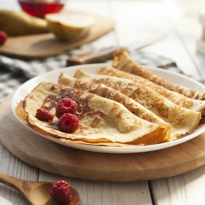 Recette de pâte à crêpe sucrée pour les desserts et certaines recettes de crêpes. Une recette facile à faire et délicieuses. A faire pour le Carnaval, la Chandeleur, Mardi Gras ou pour un goûter avec les enfants