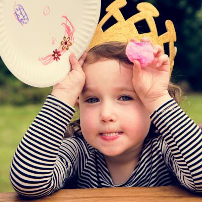 Galette des rois : les recettes.  Retrouvez les idées de recettes de galette des rois. Des recettes à faire avec les enfants pour réaliser une galette des rois maison pour l'Epiphanie.