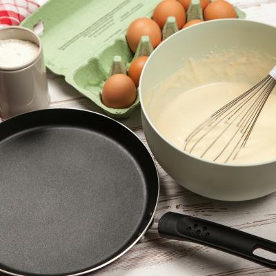 Une recette rapide et très facile pour faire rapidement des crêpes. Cette recette de pâte à crêpes ne demande aucun temps d'attente ou de repos. Elle peut être utilisée imm&eacut