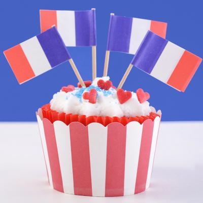 La fête nationale française se fête tous les ans le 14 juillet ! Si vous souhaitez organiser une Garden Party ou un goûter d'enfants sur le thème de la France et du 14 juillet, rendez-vous dans notre dossier spécial : recettes cocorico et cuisinez avec le