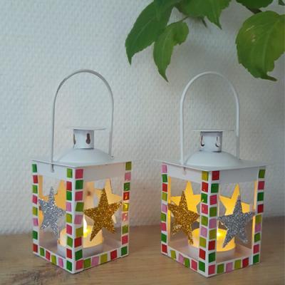 Un tuto pour apprendre à décorer une lanterne en stickers mosaïque